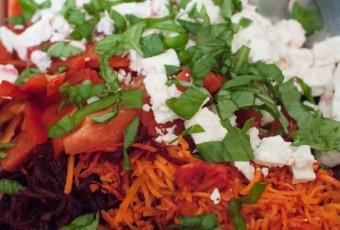 Ensalada de zanahoria y remolacha con feta
