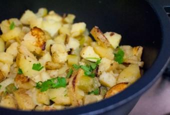 Revuelto de patatas y apio