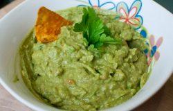 Creamy spicy guacamole