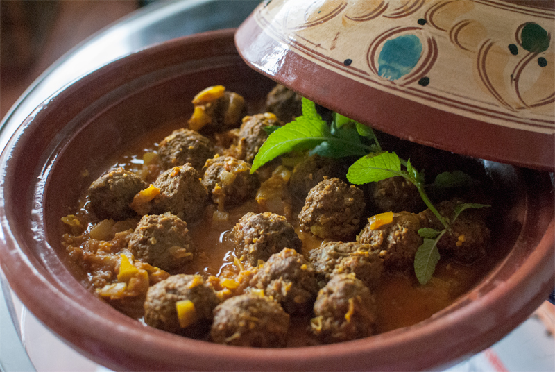 Moroccan meatball tagine with lemon, or Kefta tagine