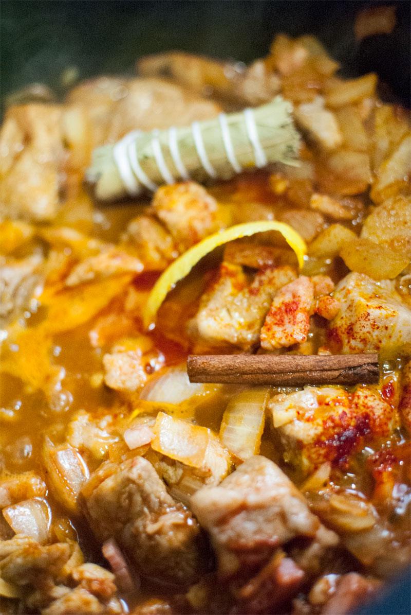 Estofado de Carne con salsa de vino tinto y canela