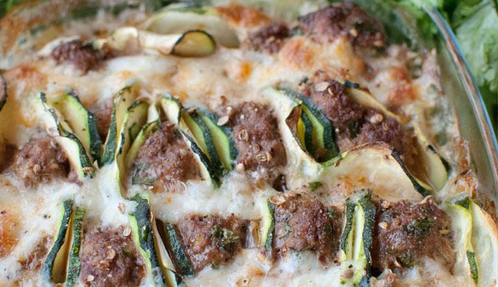 Meatball gratin with courgettes & mozzarella