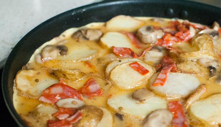 Tortilla de patatas con chorizo & espinacas