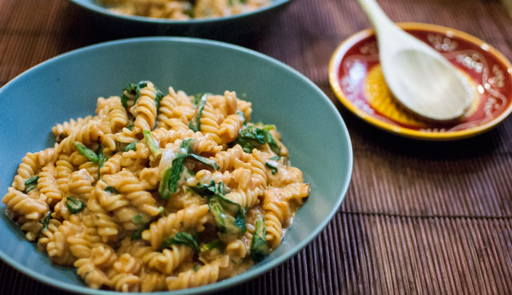 One-Pot pasta with tomato sauce and mascarpone