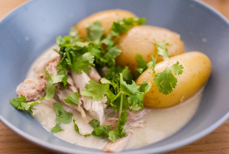 Pollo al horno en salsa de coco
